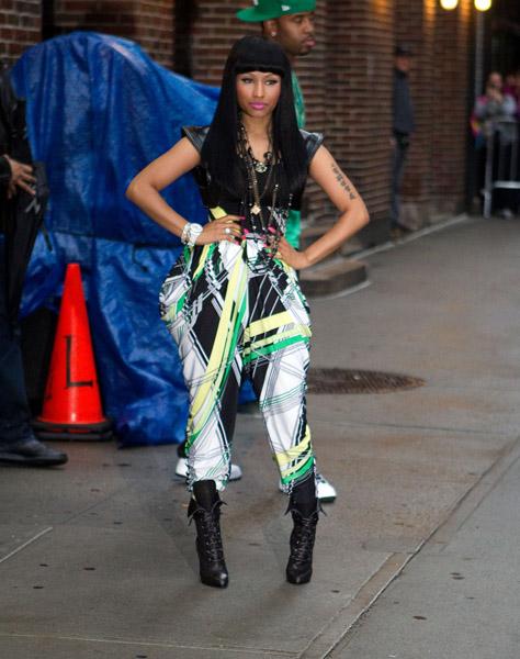 young money cash money sweater. Young Money femcee Nicki Minaj