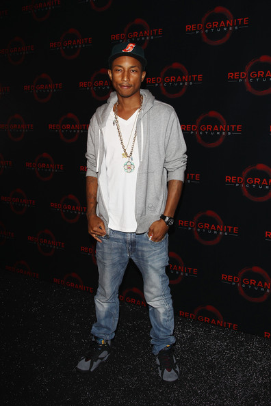 Sneaker Me Dope  Pharrell Williams Spotted Wearing A Pair Of ... 4ef8bed4e