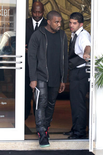 e961acee8620c Sneaker Me Dope  Kanye West Spotted In Miami Rocking His Nike Air ...