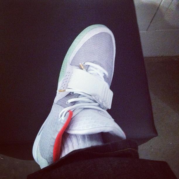 """Dope Or Nope: Kanye West's Nike Air Yeezy 2 """"Black/Pink"""" Sneakers"""