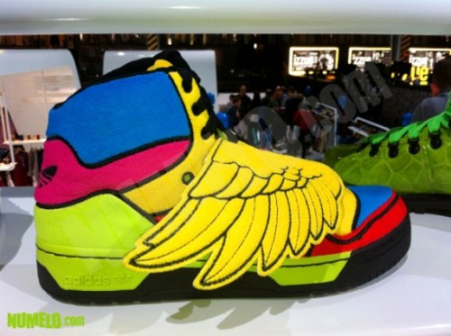 jeremy-scott-adidas-originals-js-wings-fall-2012-2-570x426