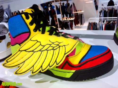 jeremy-scott-adidas-originals-js-wings-fall-2012-3-570x426