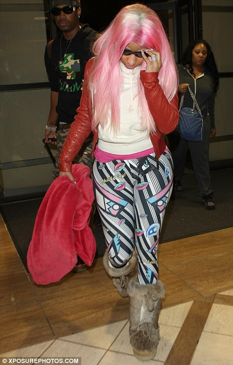 f69da6c126a98 Spotted At LAX: Nicki Minaj Leaving The Airport In leggings & A Pink ...