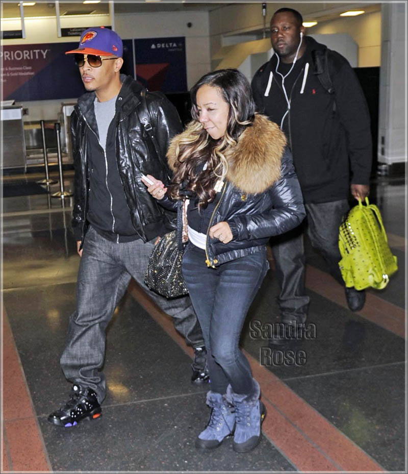 """new concept 5aa80 d6563 Sneaker Me Dope  T.I. Rocking Nike Air Max Barkley """"Black Safety Orange""""    Tiny In Ugg Boots"""
