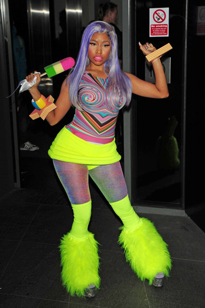 nicki-minaj-popsicle-2