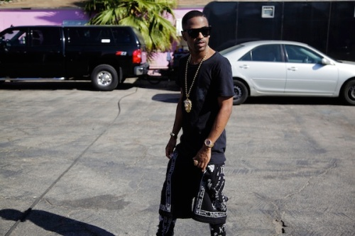 Big-Sean-Balmain-Tee-Shirt-KTZ-Short-trousers-Adidas-sneakers-upscalehype (1)