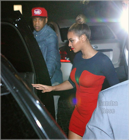 Beyonce and Jay-Z go to Soho Beach Club for dinner with Kelly Rowland, The Dream, and Paris Hilton in Miami Beach, FL