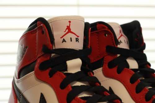 Air-Jordan-1-Retro-High-White-Varsity-Red-Black-05