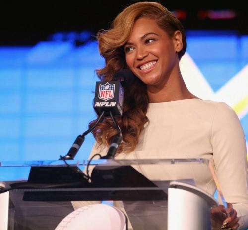 beyonce-national-anthem-live-at-super-bowl-press-conference-13_zpsb06e88d5