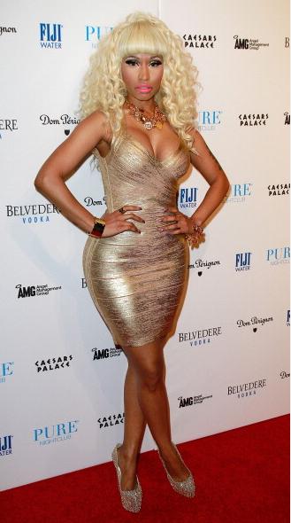 Nicki-Minaj-hosts-party-at-Pure-Nightclub
