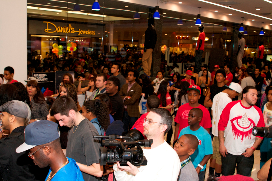Exclusive Photos  Reebok Classic   Tyga In-Store Event At Shiekh ... f70a98321c