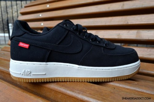 supreme-x-nike-air-force-1-black-2-570x377