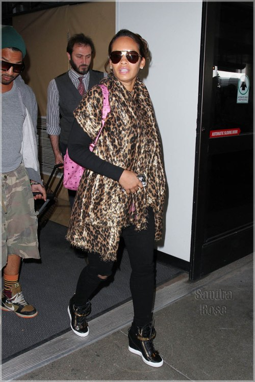 Evelyn Lozada spotted arriving at LAX Airport coming from Detroit.