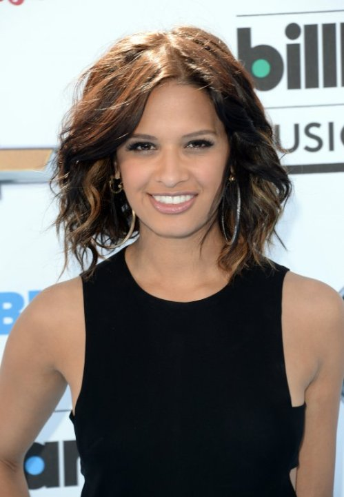 Rocsi-Diaz-Faints-at-2013-Billboard-Music-Award-4