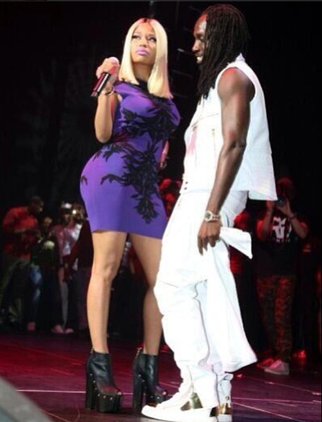 nickiminajperforming2