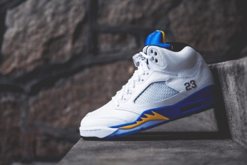 Air-Jordan-5-Retro-laney-Detailed-Look-02