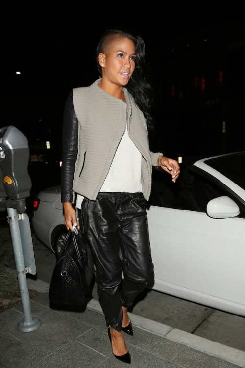 Cassie Ventura, girlfriend of Sean 'Diddy' Combs, arrives at 'Hakkasan' with some friends in Beverly Hills
