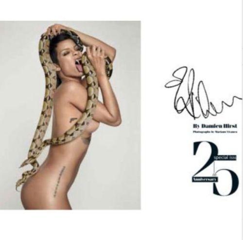 Rihanna-plays-with-snakes