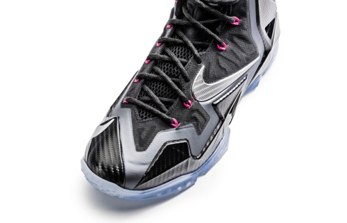nike-lebron-11-xi-miami-nights-official-05