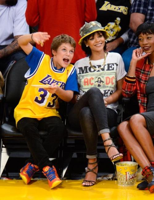 rihanna-lakers-game-4
